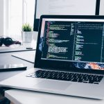 ubitransport-developpeur-web-christopher-gower-m_hrflhgabo-unsplash-recadree